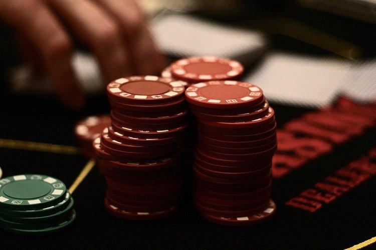 Pelaaslotit ja nauttiaIlmaispyöritystäViks Casino Arvostelu